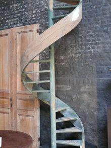 Escalier en Colimaçon 110 x 275 cm http://www.les-grands-ateliers.com/catalogue.html#!13322_escalier-en-colimacon