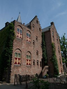 Kasteel Sypesteyn - Wikipedia Old Churches, Architecture Old, Travel Pictures, Travel Pics, Netherlands, Abandoned, Dutch, Beautiful Homes, Medieval