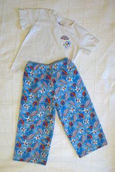 handmade mommy: 15 minute jammy pants, for the Ninjago costume pants? Boys Pajama Pants, Pajama Pants Pattern, Pj Pants, Comfy Pants, Toddler Pajamas, Boys Pajamas, Sewing For Kids, Baby Sewing, Sewing Clothes