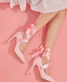 THE PASTEL /// pastel aesthetic / pink aesthetic / kawaii / wallpaper backgrounds / pastel pink / dreamy / space grunge / pastel photography / aesthetic wallpaper / girly aesthetic / cute / aesthetic fantasy Dr Shoes, Pink Shoes, Pink High Heels, Shoes Heels, Pink Fashion, Fashion Shoes, Fashion Outfits, Pretty Shoes, Cute Shoes