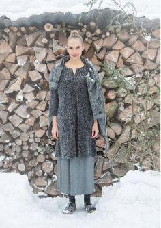 """Gudrun Sjödens Winterkollektion 2015 - Dieses vielseitige Modell aus schönem Baumwollvelours ist dank dem """"Skare"""" Muster ein besonderer Hingucker. Bestelle jetzte dein """"Skare"""" Velourskleid:"""