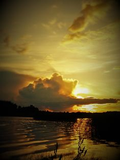 Auringonlasku rajalla