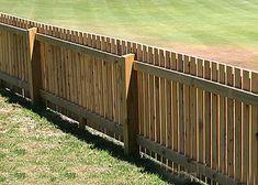 cercas de madera Home Fencing, Garden Fencing, Pallet Tool, Wood Fence Design, Backyard Buildings, Types Of Fences, Architecture Design, Pergola, Patio