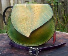 Sac à main elfique en cuir style feuille de fabrication artisanale