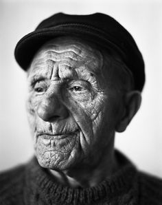 Pin de stephen kinsey en faces old faces, unique faces y fac Old Faces, Many Faces, Men Photography, Portrait Photography, Steve Mccurry, Unique Faces, Face Reference, Portraits, Face Expressions