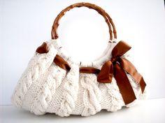 Knitted handbag. Wish I could make something like this!
