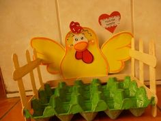 Día de la madre House Beautiful house of beauty hair products Farm Crafts, Easter Crafts, Diy And Crafts, Crafts For Kids, Recycle Crafts, Fall Carnival, House Of Beauty, Popsicle Stick Crafts, Farm Party