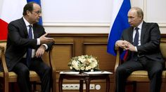 François Hollande s'entretient avec le président russe Vladmir Poutine, à Moscou (Russie), le 6 décembre 2014.   ALAIN JOCARD / AFP