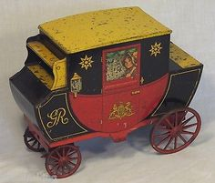 """SUPER RARE ANTIQUE CRAWFORDS """"STAGE COACH""""FIGURAL BISCUIT TIN TOY TINPLATE c1927"""