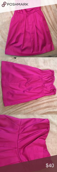 Express Strapless Dress Beautiful date night dress! This dress has only been worn once. It is in excellent condition. I had it dry cleaned after the one time I wore it. Express Dresses Strapless