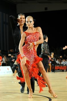 Learn To Ballroom Dance And Feel Your Soul Latin Dance Dresses, Ballroom Dance Dresses, Ballroom Dancing, Tango, Samba, Salsa Dancing, Glamour, Dance Pictures, Just Dance