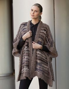 Book Woman Urban 84 Autumn / Winter | 19: Woman Poncho | Brown