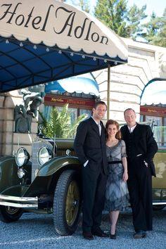 Das Adlon. Eine Familiensaga (Teil 2) - Julian Zimmerman (Ken Duke), Sonja Schadt (Josefine Preuß) & Sebastian von Tennen (Johann von Bülow)