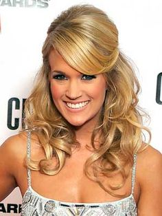 Carrie Underwood, our very own Idol star turn major country diva, is talking hair! Carrie Underwood tells People Magazine that she loves her hair big and Wedding Hairstyles Half Up Half Down, Wedding Hair Down, Wedding Hair And Makeup, Hair Makeup, Half Updo, Wedding Updo, Carrie Underwood, Pretty Hairstyles, Straight Hairstyles