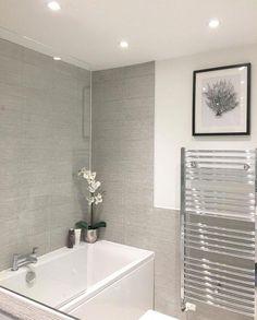 Grey bathroom - small bathroom ideas #smallbathroomideas #greybathroom #bathroomideas #bathroomdecor #bathroominspiration #smallbathroomideas #bathroomfurnituremodernmasterbedrooms