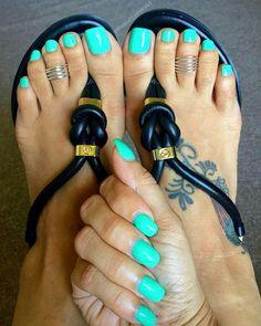 Pretty Toe Nails, Cute Toe Nails, Sexy Nails, Sexy Toes, Pretty Toes, Blue Pedicure, Pedicure Nail Art, Mani Pedi, Acrylic Toes