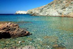 Agios Georgios Santorini Private Guided Transfers Agios Georgios is a beach of Santorini which is located at the south side of the island and it is along the beaches of Perissa and Perivolos and it is only 3 kilometers far from Emporio. It is the perfect beach to go if you are a person who …