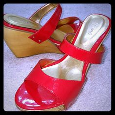 Lewre Couture Ladies Wedge Like New Gold & Red Princess-Style Couture Wedge, Almost 4 inches,  Perfect for Special Events or Just Because! Mint Lewre Shoes Wedges