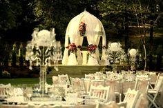 Qubbe Bahçe - İstanbul Kır Düğünü Istanbul, Table Decorations, Wedding, Home Decor, Valentines Day Weddings, Decoration Home, Room Decor, Weddings, Home Interior Design