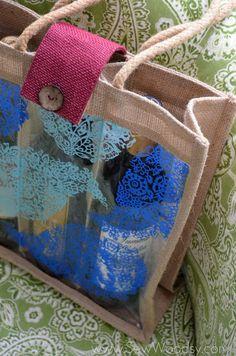 Painted Wine Tote from SewWoodsy.com #12MonthsOfMartha #MarthaStewartCrafts