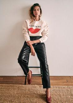 Sézane - Francky Trousers Sweat Shirt, Scarlett, Coton Biologique, Ethical Clothing, Daily Look, Parisian Style, Printed Sweatshirts, Blue Denim, Blouse