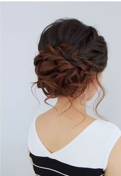 These Gorgeous Updo Hairstyle That You'll Love To Try! Whether a classic chignon, textured updo or a chic wedding updo with a beautiful details. These wedding updos are perfect for any bride looking for a unique wedding hairstyles… Loose Braids, Loose Updo, Soft Updo, Side Braids, Updos With Braids, Braids Cornrows, Fancy Hairstyles, Bridal Hairstyles, Latest Hairstyles