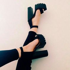 29 Glamorous high heels ideas, How to wear chunky heels. Platform High Heels, High Heel Boots, Heeled Boots, Ankle Boots, Dress And Heels, Dress Sandals, Ankle Strap Heels, Shoes Heels, Ankle Straps