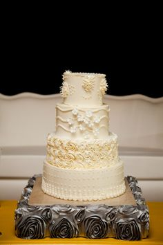 Photography by lifewritingphotography.com, Event Decor   Floral Design by mmdevents.com, Event Planning by winsoreventstudio.com - Now THAT is a cake!