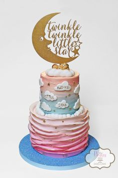 Twinkle little star reveal cake!  #twinkletwinklecake #twinklelittlestarcake #revealcake #twinklerevealcake #pinkandbluerufflecake #blueandpinkrufflecake #pinkandbluecake #blueandpinkcake #revealrufflecake #twinkletwinklelittlestarcake #twinklbabyshowercake #peggydoescake