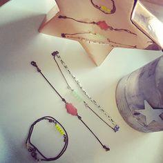 Bracelet laiton avec nuage fuchsia de Mado La Lilloise Fuchsia, Creations, Drop Earrings, Etsy, Bracelet, Jewelry, Cloud, Brass, Handmade Gifts