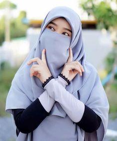 Versions Share ©by:  █║Rhèñdý Hösttâ║█  Thank you for visiting my pin in Pinterest♡ Hijab Dp, Hijab Niqab, Muslim Hijab, Hijab Chic, Hijab Outfit, Hijabi Girl, Girl Hijab, Beautiful Muslim Women, Beautiful Hijab