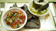 Salsa mexicana y guacamole fresco. Mexican sauce and fresh guacamole.