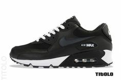 Now this is as clean as black gets on an AM90.