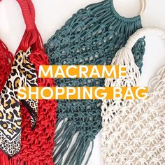 Make your own macramé market bag with a free step by step tutorial. Find the full video and instructions at LoveCraftscom Crochet Bag Tutorials, Crochet Videos, Diy Bags Tutorial, Handbag Tutorial, Tshirt Garn, Crochet Market Bag, Recycled T Shirts, Macrame Bag, Macrame Design