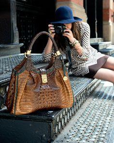 Pin & Win! Stylehunter. Picture perfect #nataliesuarez #natalieoffduty #macysfallstyle like the purse :)