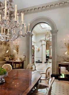 New Traditional interior design dining room Plafond Design, Enchanted Home, Interior Decorating, Interior Design, Decorating Ideas, Decor Ideas, Elegant Dining, Classic Interior, Traditional Interior