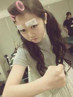 Twitter / mariko_dayo: 暇を持て余すみーちゃんの遊び。( *`ω´) 眉毛を染める。 pic.twitter.com/2D8q44gy  https://twitter.com/mariko_dayo/status/233104687568650240