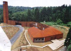 手塚建築研究所「キョロロ」2003年