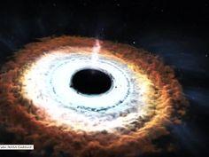 """Niezwykłe zjawisko w kosmosie. Co stanie się gdy czarna dziura """"połknie gwiazdę""""?"""
