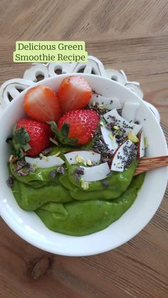 Green Smoothie Recipes, Yummy Smoothies, Breakfast Smoothies, Cacao Nibs, Mixed Nuts, Frozen Banana, Bon Appetit, Nutrition