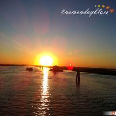 Il cielo al tramonto... il miglior momento per scattare una foto! #buonlunedì #nomondayblues