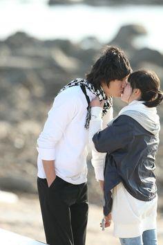 cool Popular Kiss Scenes in Korean Dramas