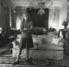Diane Arbus, Penelope Tree in her living room, N.Y.C. 1962