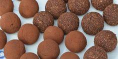 Sunde trøfler rullet i kakao og kakaonibs