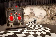 What a gorgeous set <3 alice in Wonderland Court room scene | Alice in Wonderland Set | Flickr - Photo Sharing!