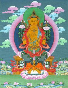 Buda Maitreya es la encarnación del amor afectivo de todos los Budas.    Sus manos están en el gesto de enseñar el Dharma, sosteniendo los tallos de dos lotos simbolizando su sabiduría omnisciente de los tres tiempos.