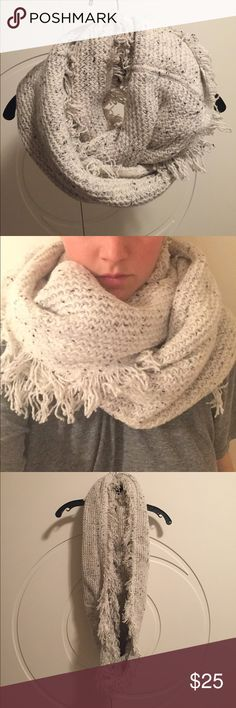 Club Monaco Infinity Scarf Warm, cozy cute infinity scarf. Great accessory to any fall or winter outfit. Club Monaco Accessories Scarves & Wraps