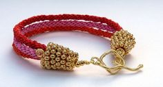 Fabulous free instructions for kumihimo jewellery designs using metal seed beads.