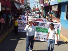 #Locales Productores del Soconusco Marchan para Exigir a la Sagarpa Inclusión a Programas... http://noticiasdechiapas.com.mx/nota.php?id=88960 …