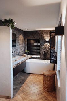 Best Bathroom Designs, Modern Bathroom Design, Bathroom Interior, Upstairs Bathrooms, Dream Bathrooms, Amazing Bathrooms, Happy New Home, Tadelakt, Bathroom Inspiration
